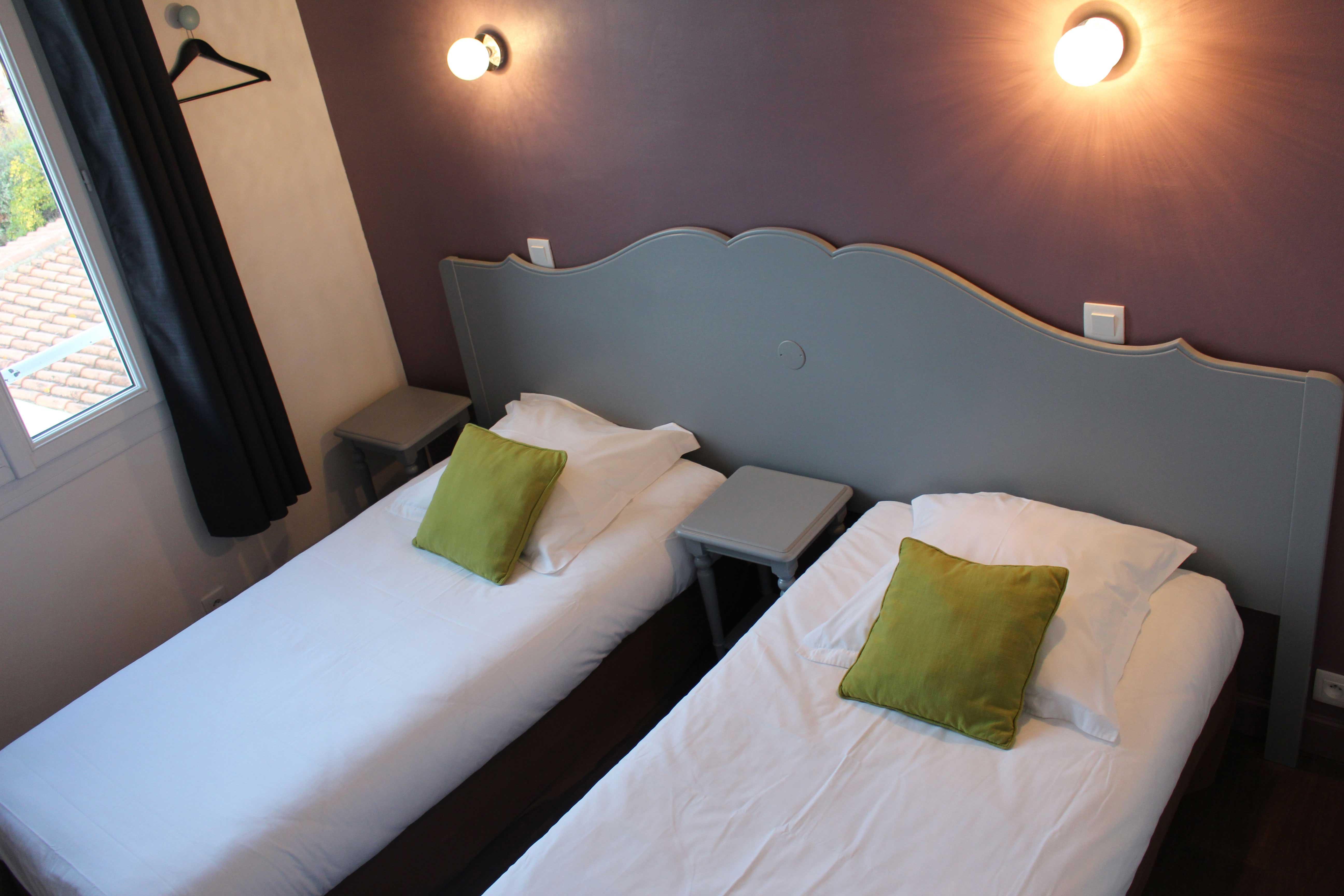 une chambre de plus r nov e h tel le thimoth e. Black Bedroom Furniture Sets. Home Design Ideas