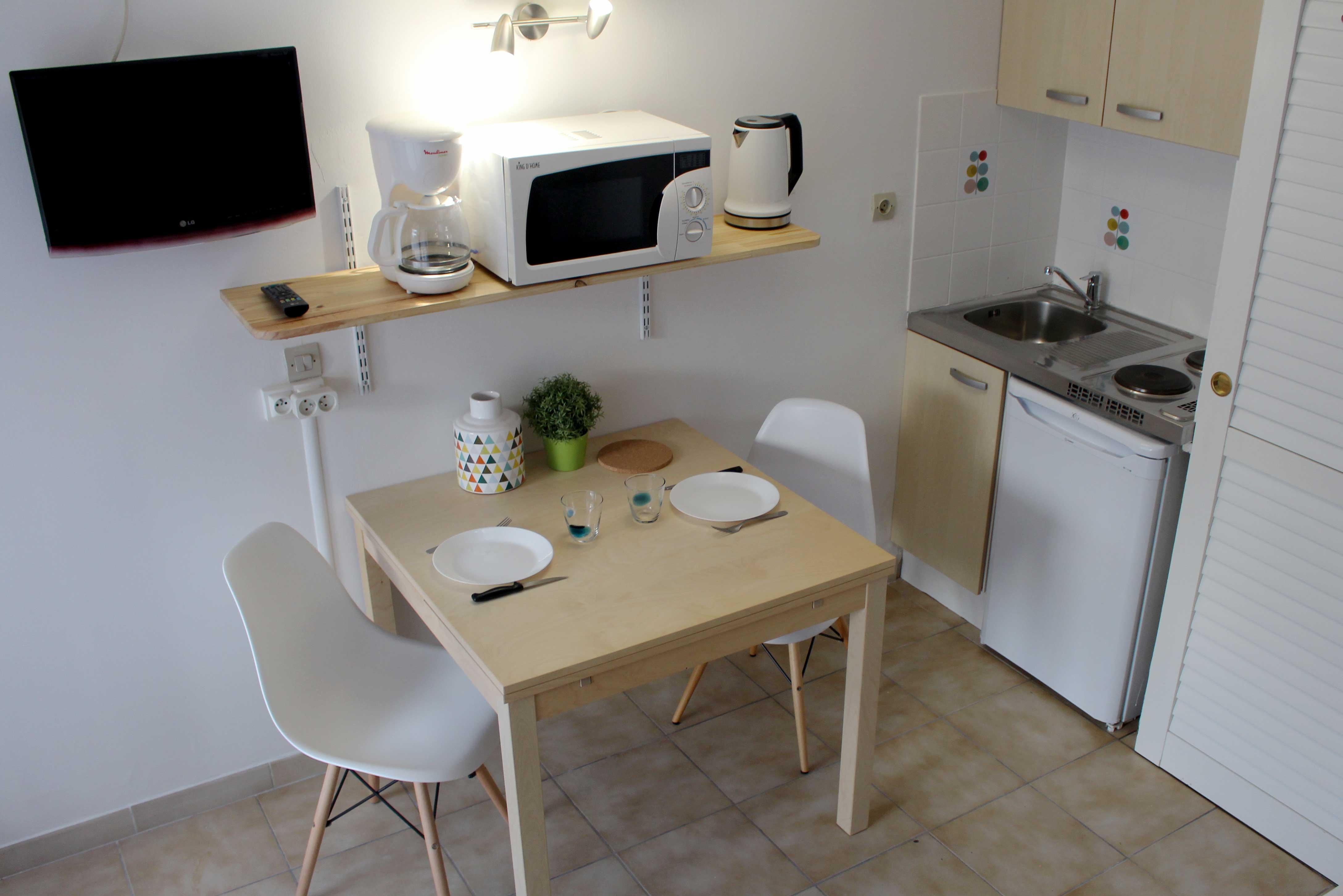 renovation studio 20 proche piscine h tel le thimoth e. Black Bedroom Furniture Sets. Home Design Ideas