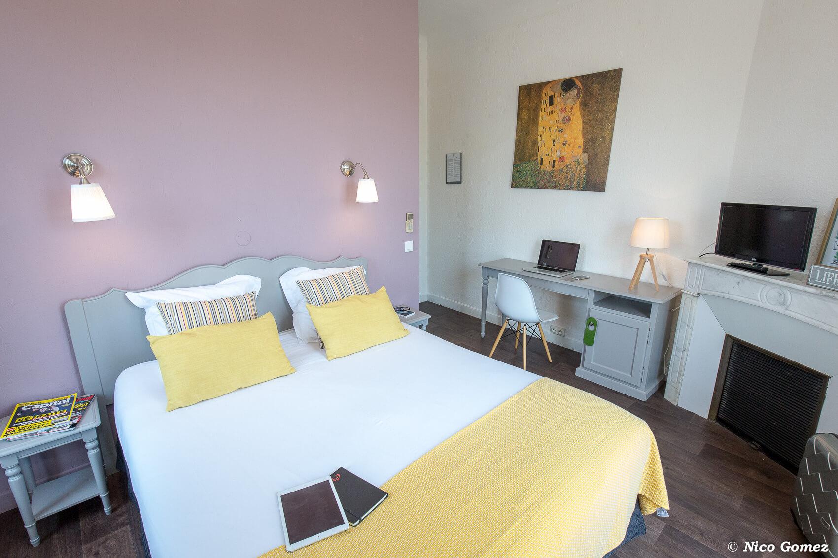 Chambre supérieure confort hôtel le thimothée saint raphaël