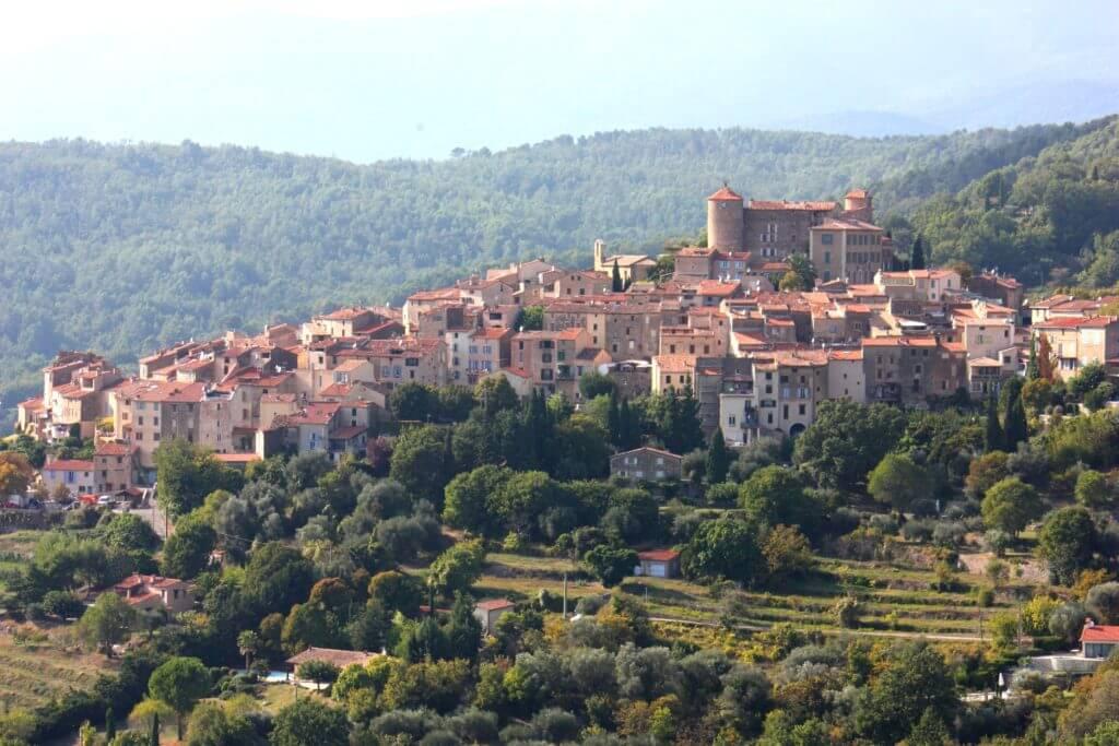 bagnols en foret village cote d'azur