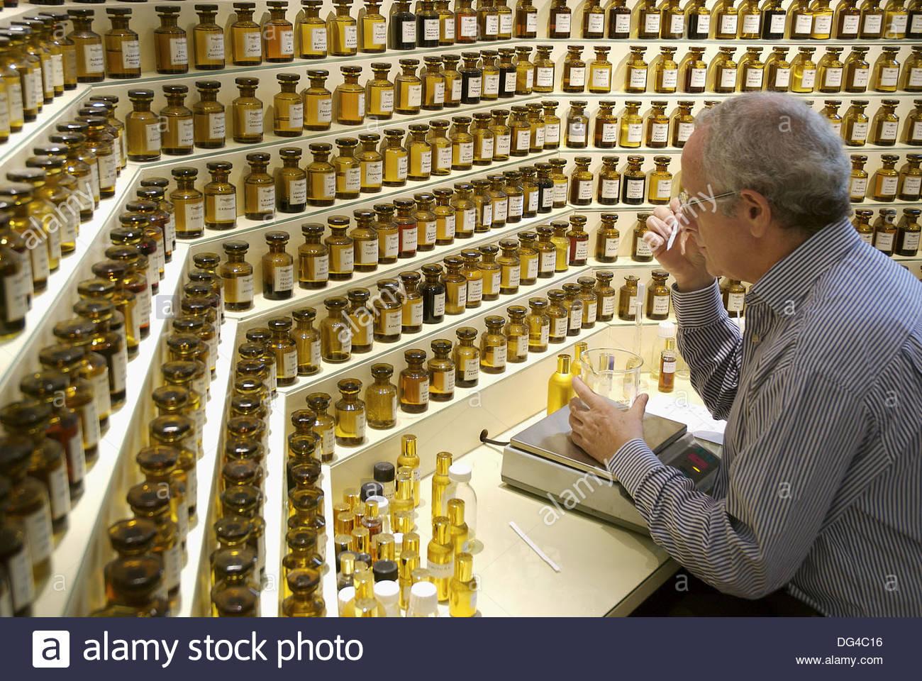 parfumerie-fragonard-grasse-alpes-maritimes-la-france-dg4c16